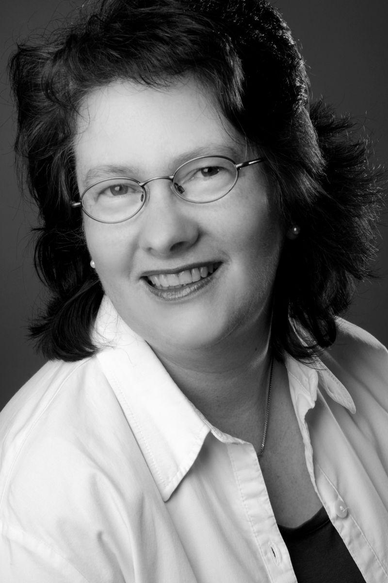 Dr. Miriam Friske