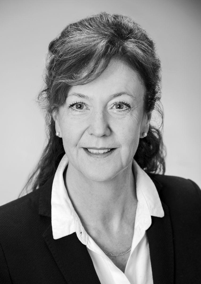 Dr. Lydia Hekeler