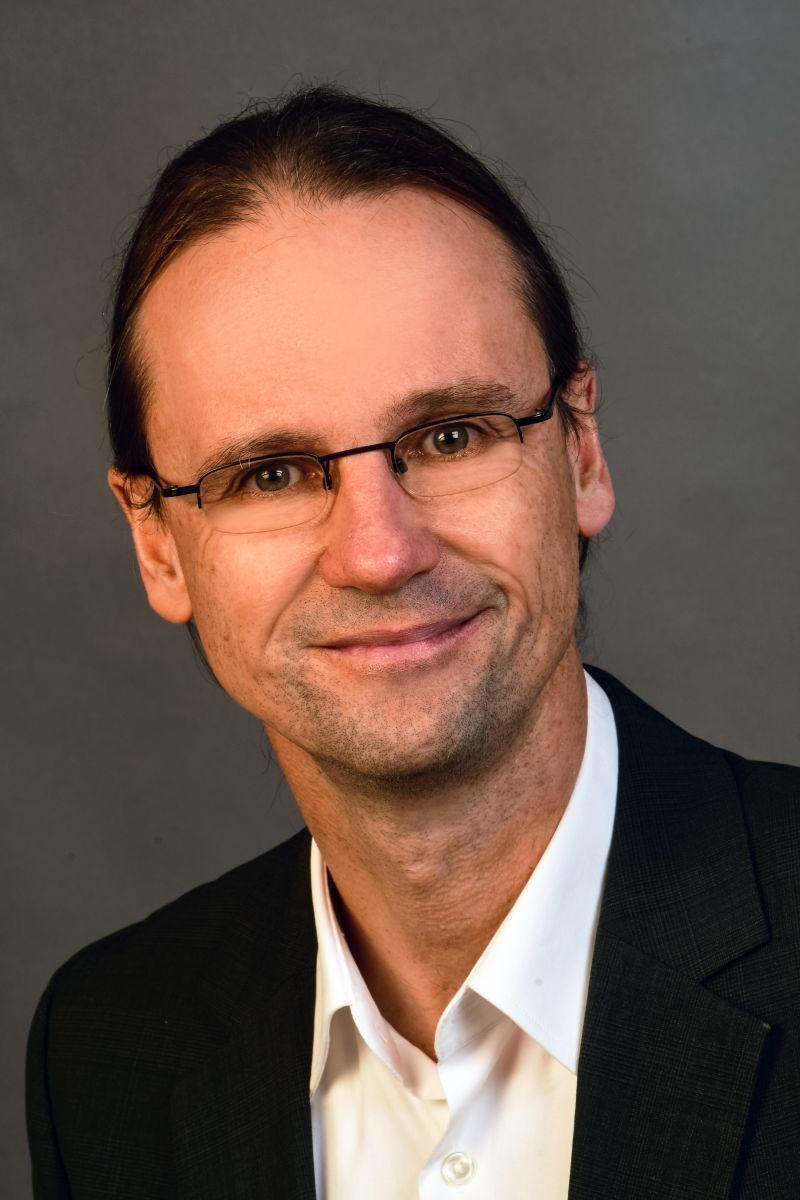 Dr. Rolf Gerlicher